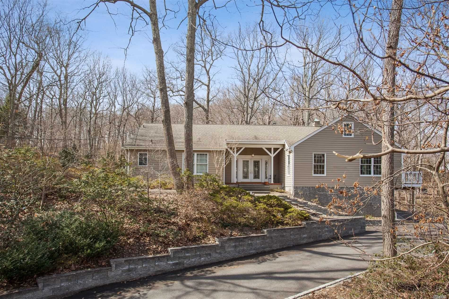 37 Laurel Cove Rd Oyster Bay Cove, NY 11771