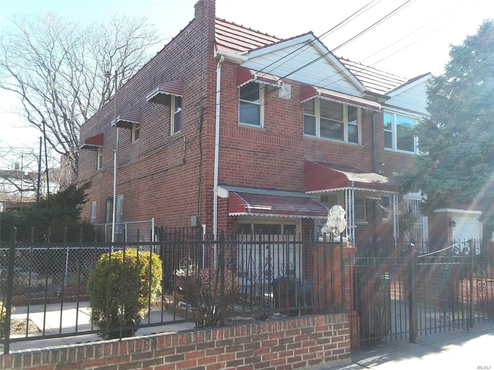 25-11 33rd Ave Long Island City, NY 11106
