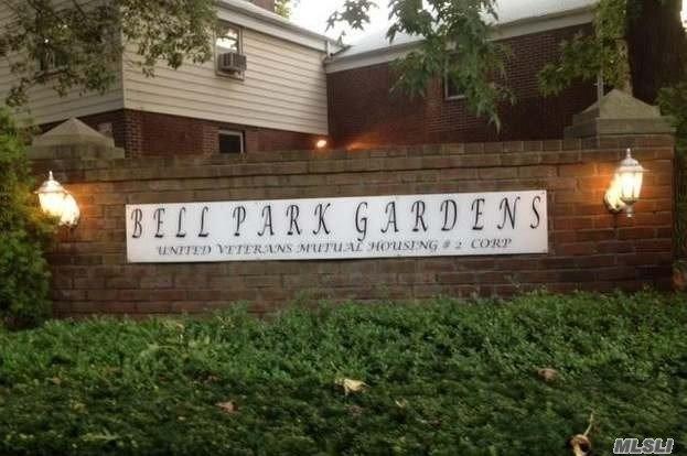 6842 Springfield Blvd Oakland Gardens, NY 11364