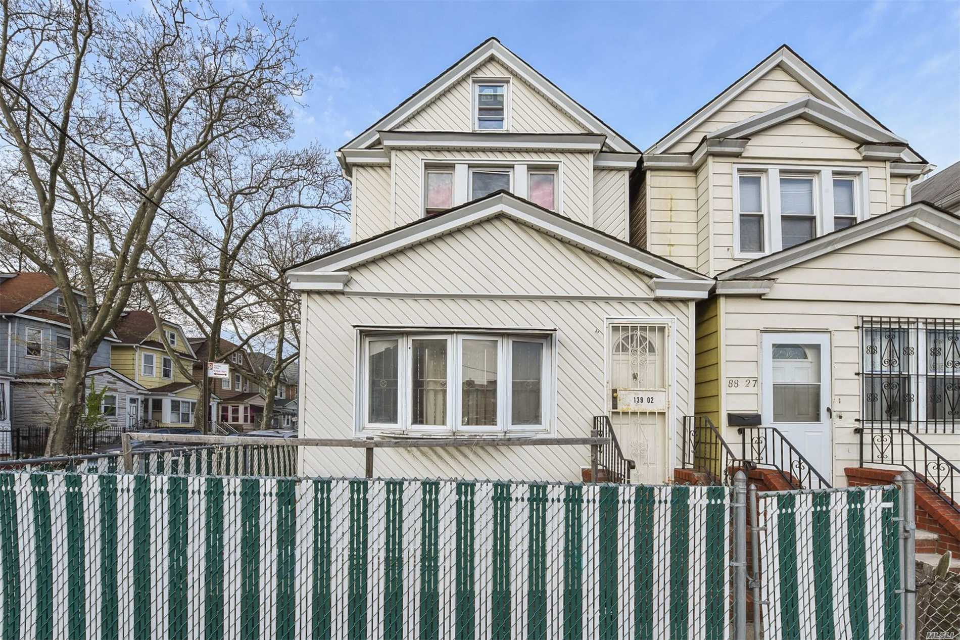 139-02 88th Rd Briarwood, NY 11435