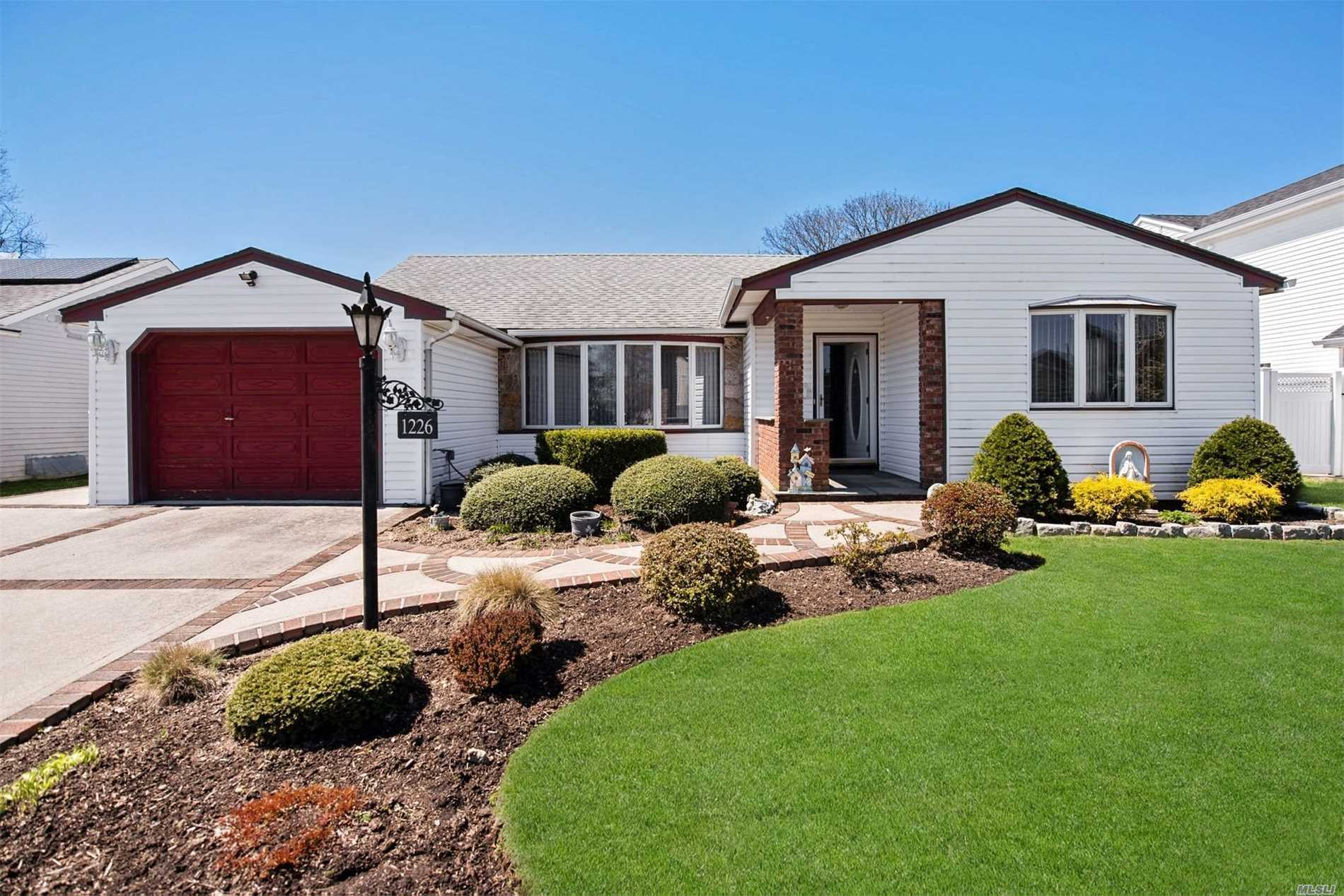 1226 Campbell Rd, Wantagh, New York