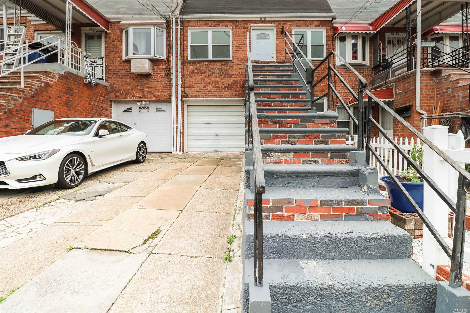 85-63 75th St Woodhaven, NY 11421