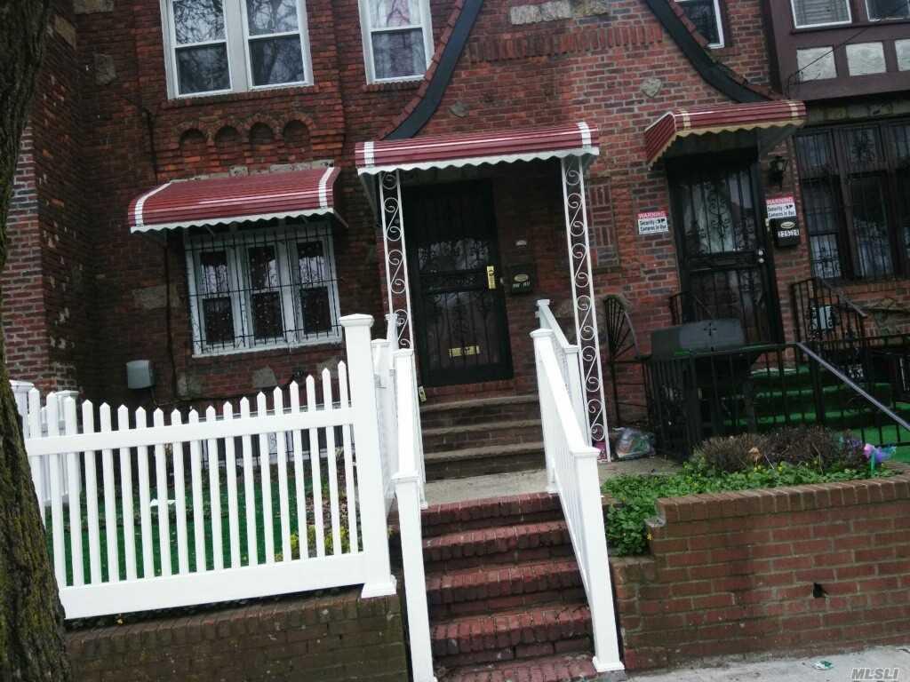22528 Mentone Ave Laurelton, NY 11413