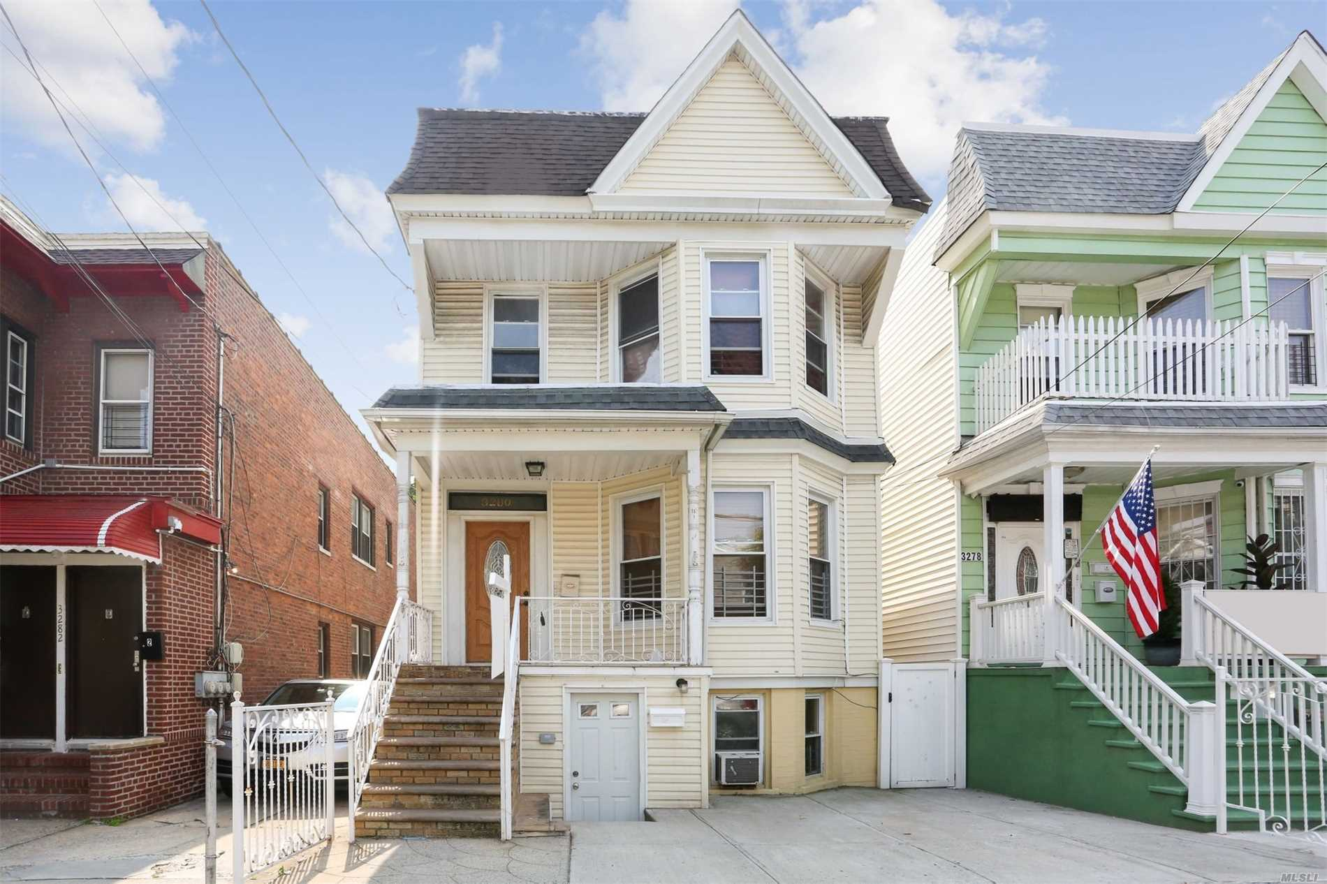 3280 Perry Ave Bronx, NY 10464