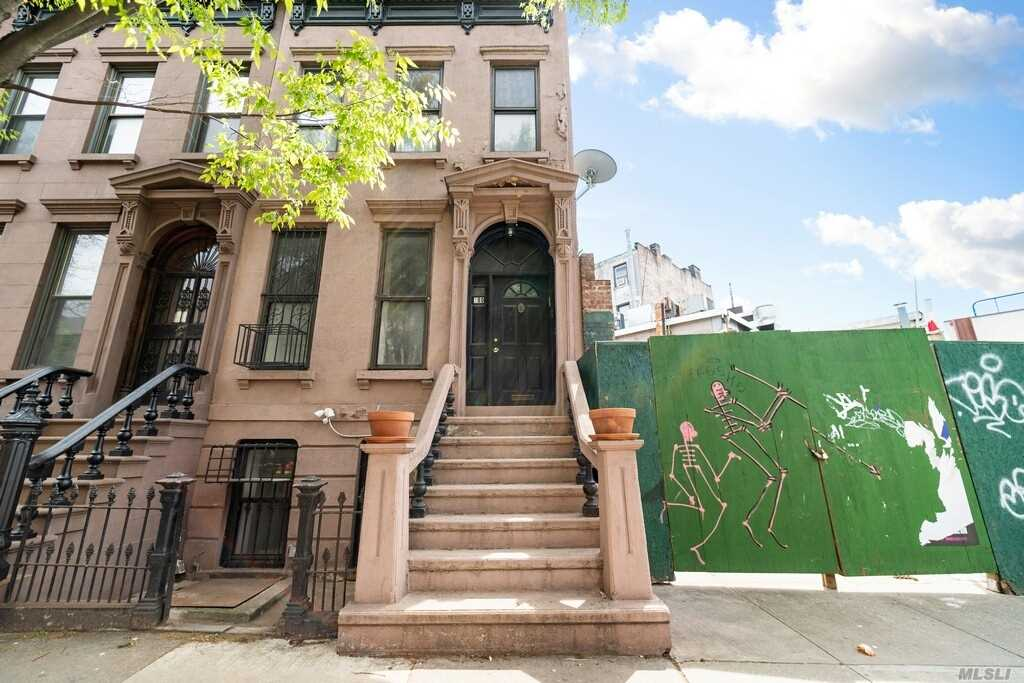 180 Park Pl Brooklyn, NY 11238