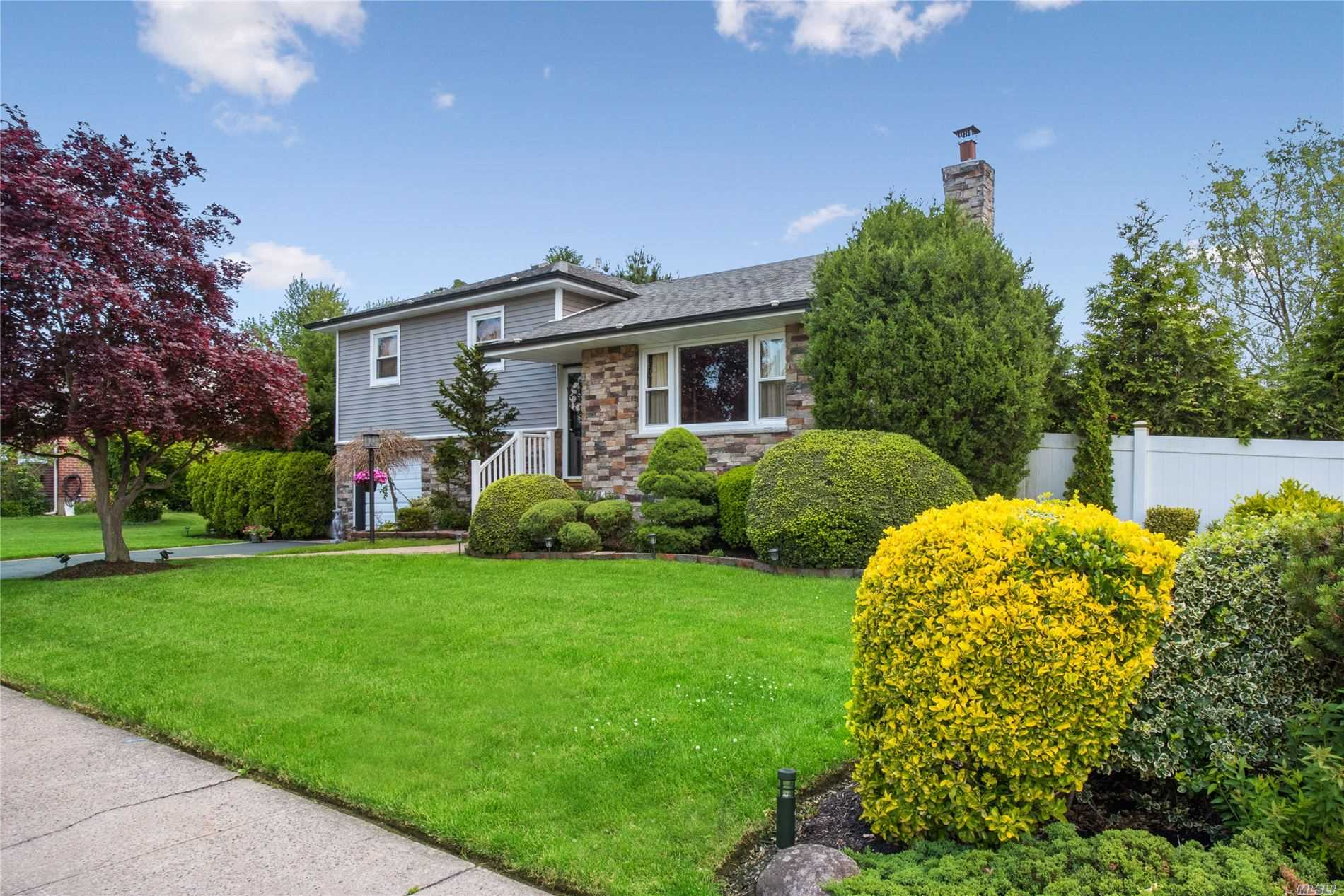 115 Vincent Rd, Hicksville, New York