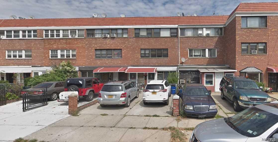 31-35 68 St,Flushing  NY