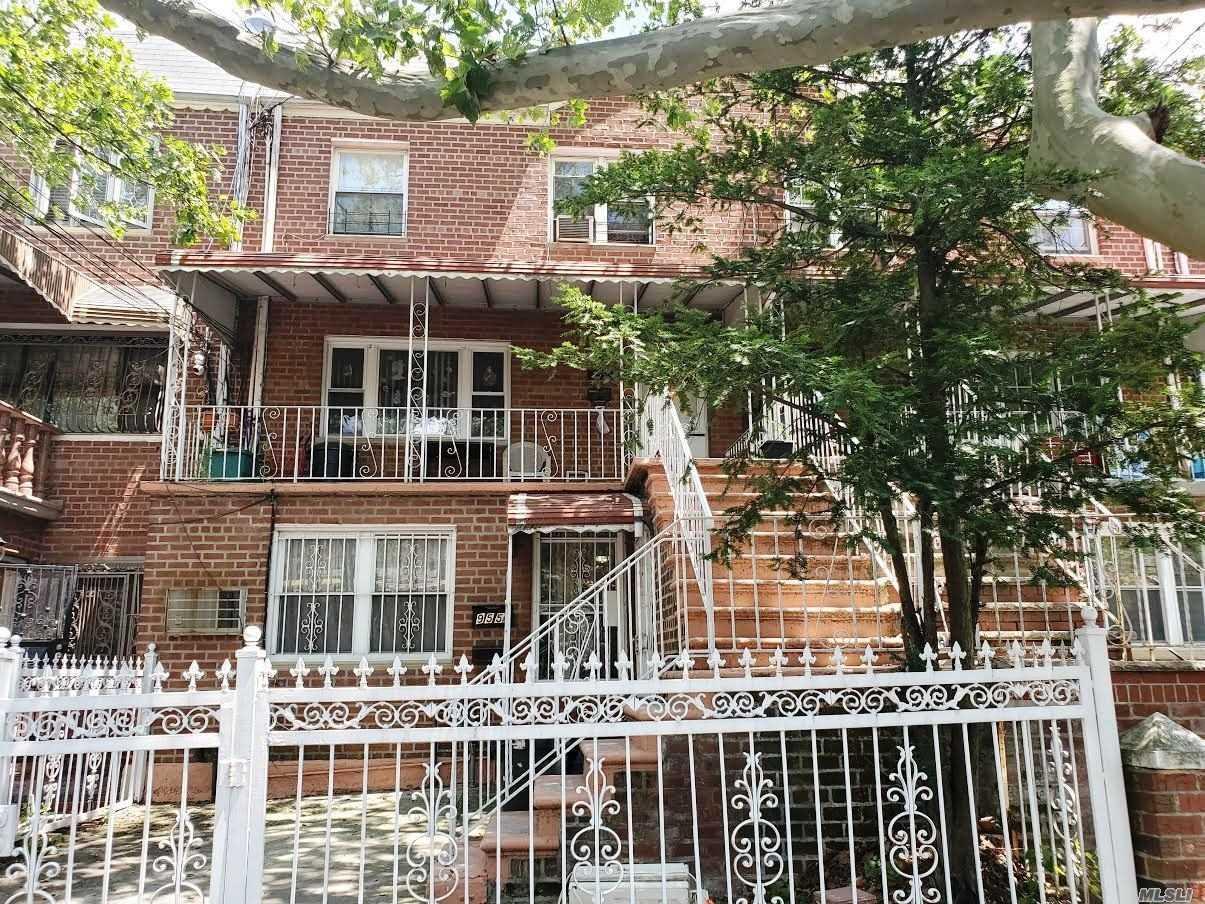 955 E 106th St, Brooklyn-Canarsie, New York