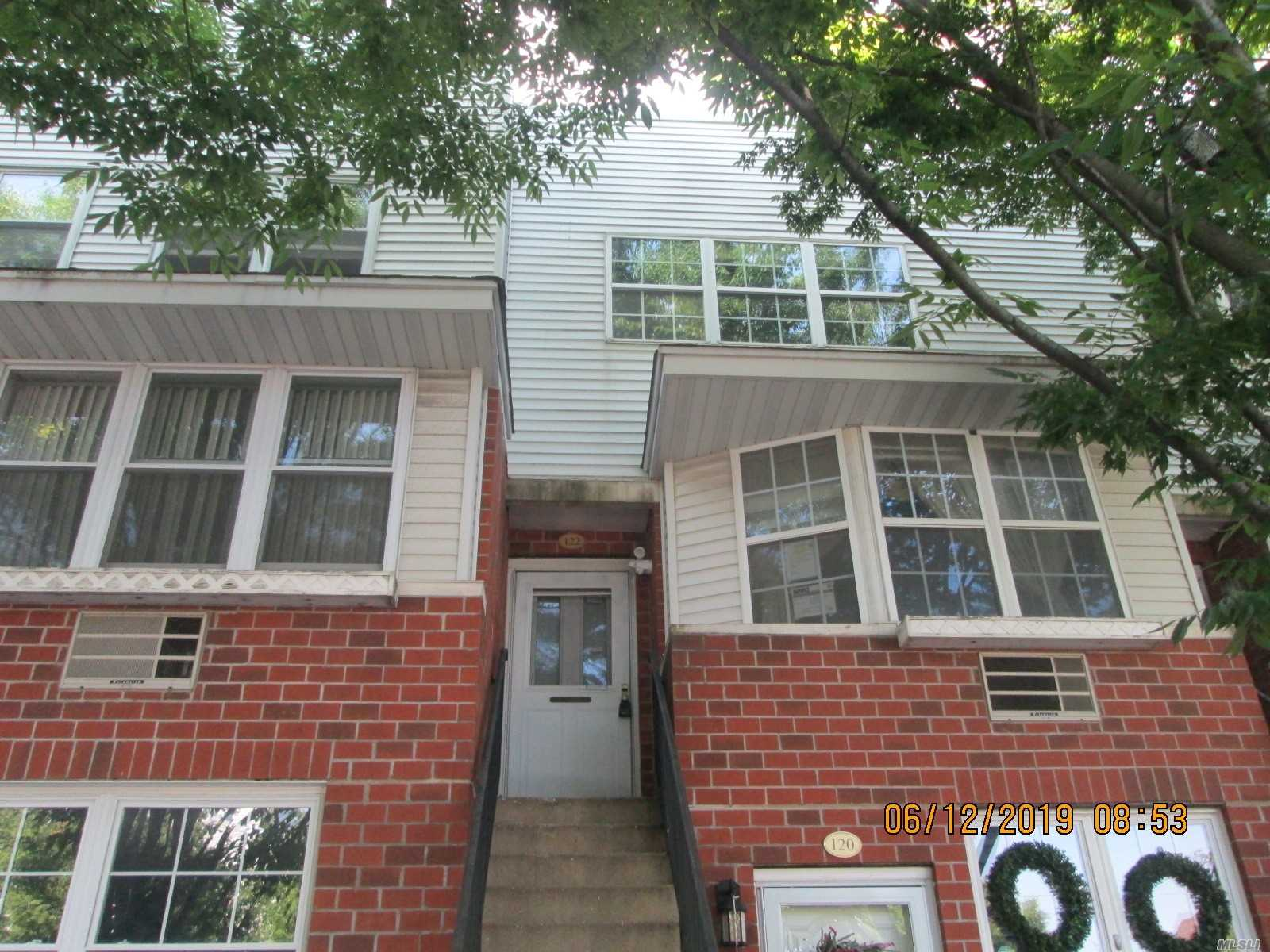 One of Bronx 2 Bedroom Homes for Sale at 122 Sunset Blvd