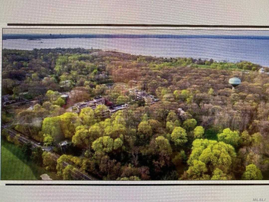 139 Middle Neck Rd, one of homes for sale in Port Washington