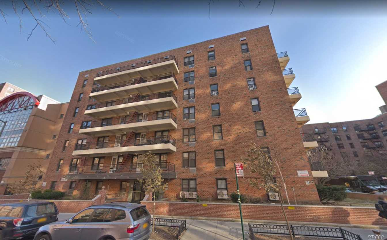 137-10 Franklin Ave, Flushing, New York