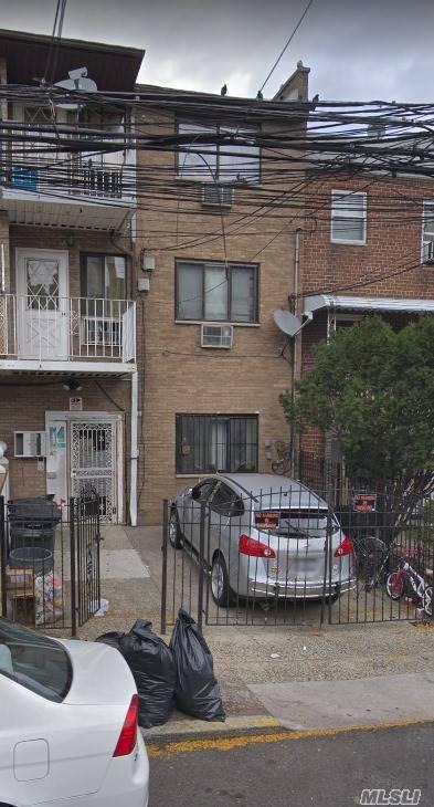 58-33 Penrod St,Flushing  NY