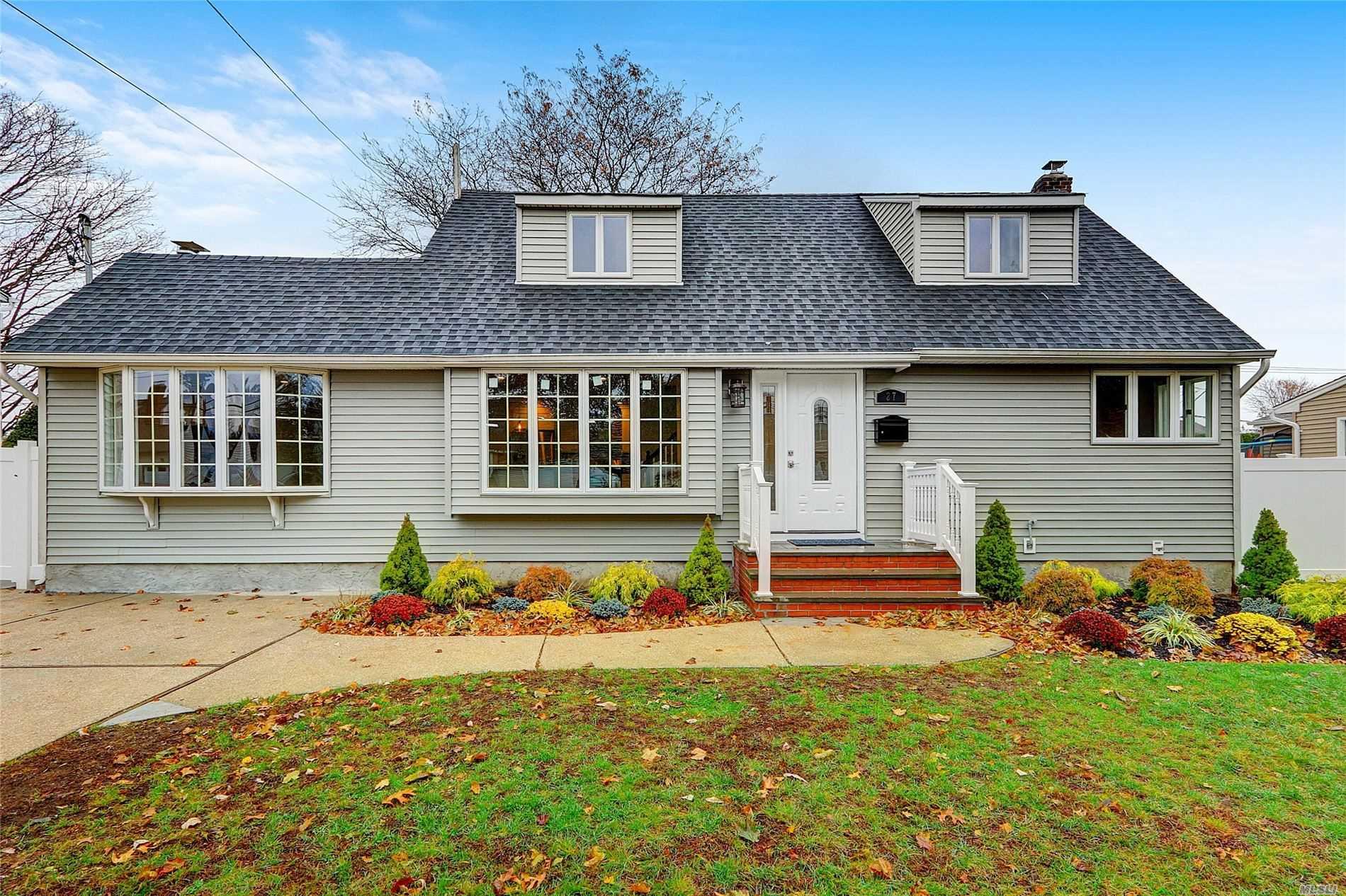 27 Linwood Pl 11762 - One of Massapequa Park Homes for Sale