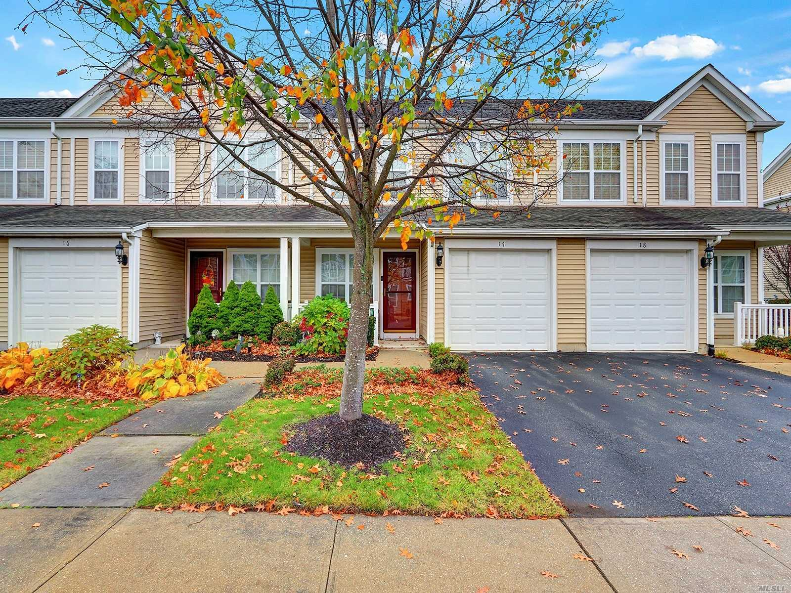 17 Southampton Dr, one of homes for sale in Massapequa Park