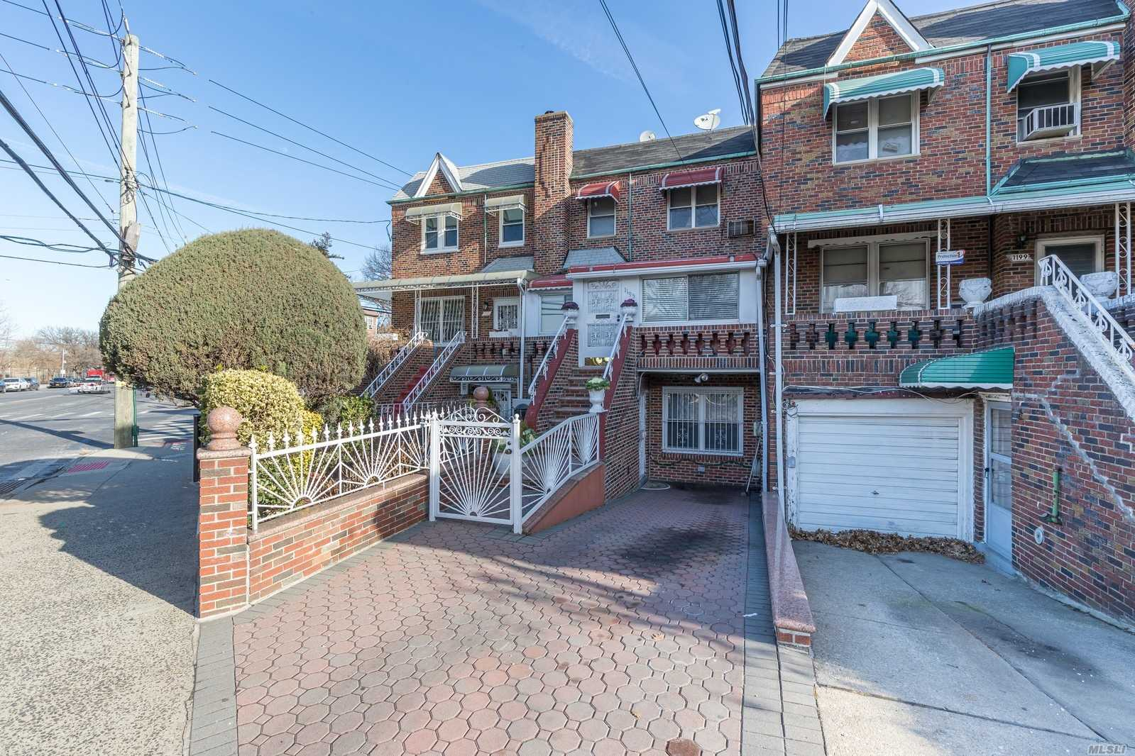 1195 Ralph Ave, Brooklyn-Canarsie, New York 4 Bedroom as one of Homes & Land Real Estate