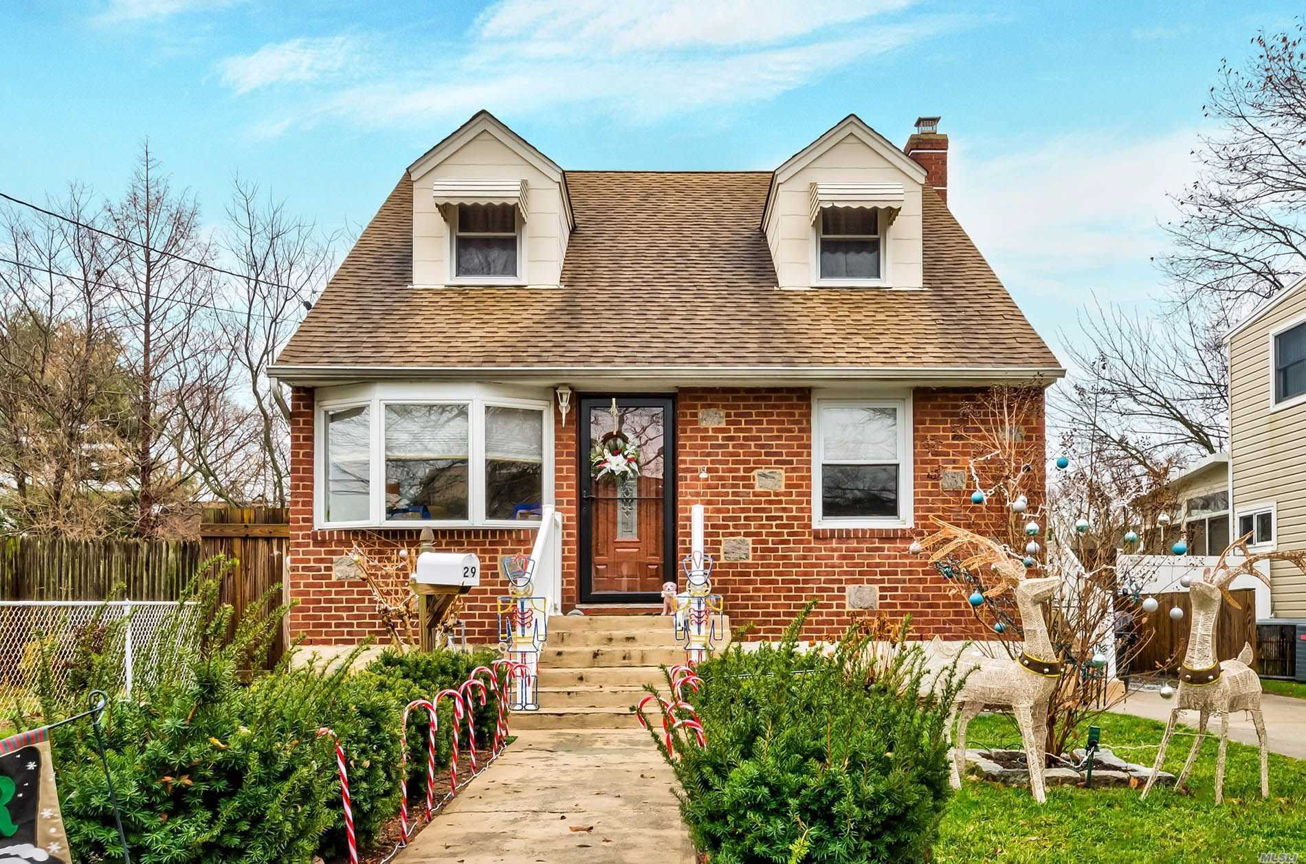 29 Crescent St 11801 - One of Hicksville Homes for Sale