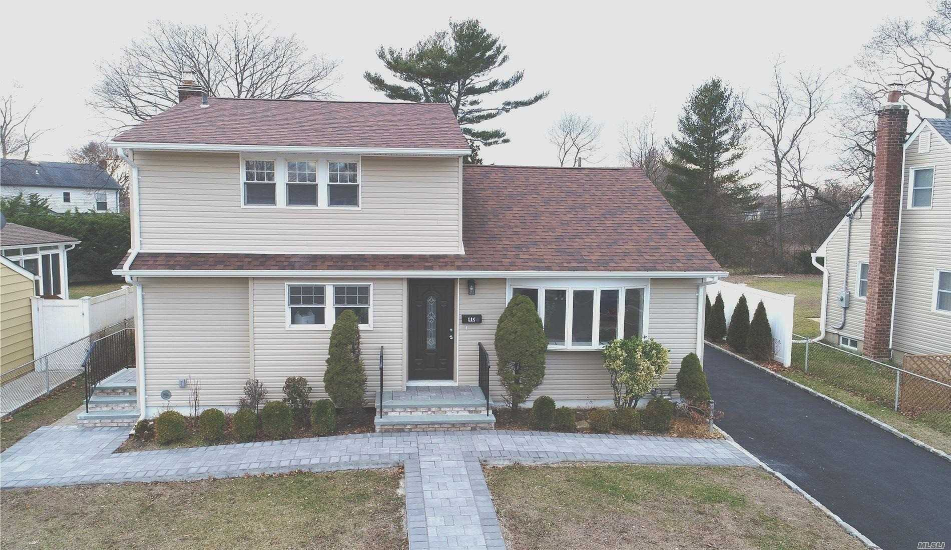 40 Salem Rd, Hicksville, New York