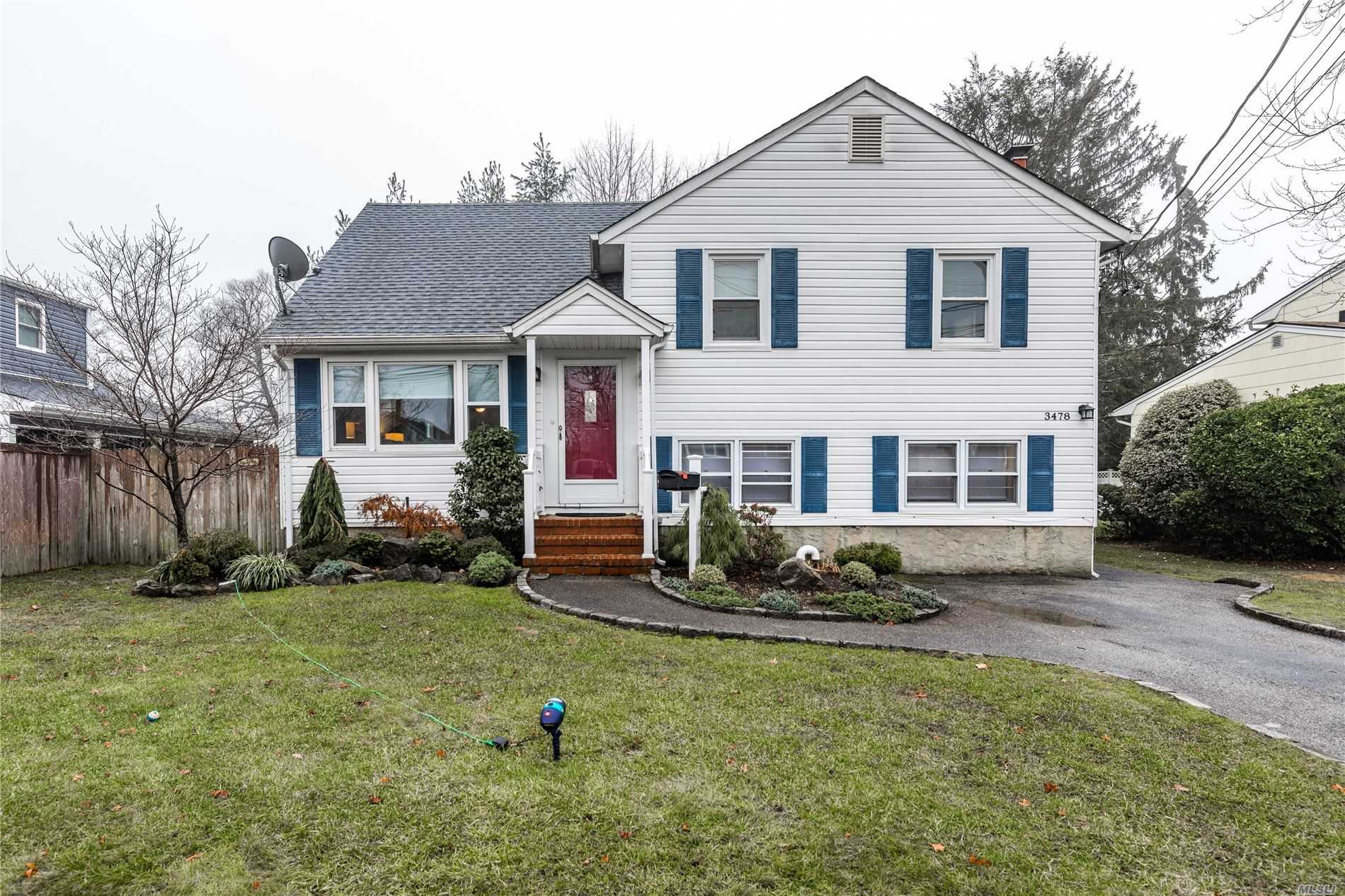 3478 Homestead Avenue, one of homes for sale in Wantagh