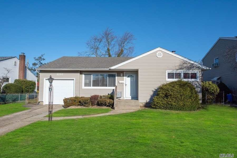 One of Wantagh 3 Bedroom Homes for Sale at 3257 Mark Alan Drive