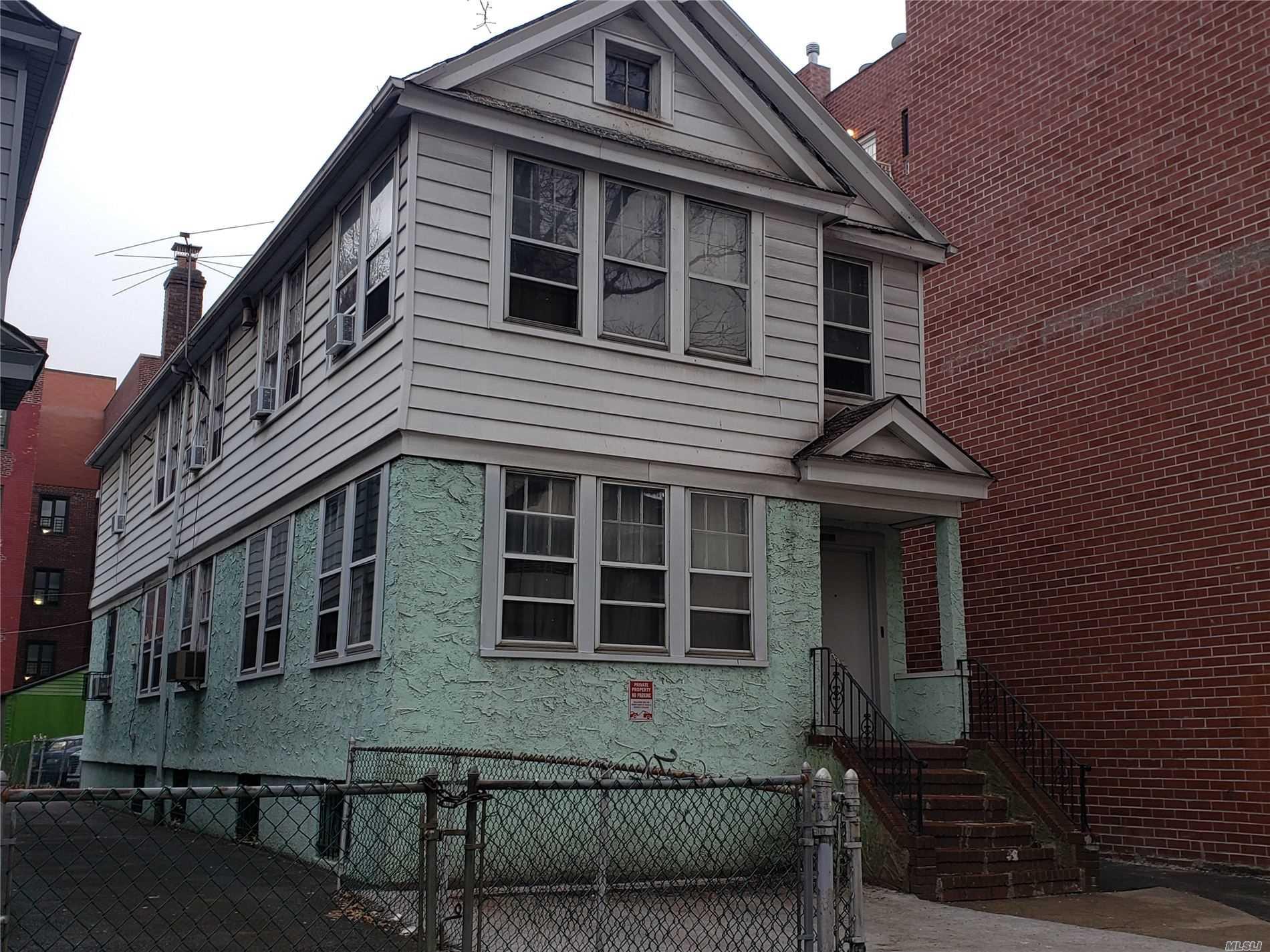 132-12 Sanford Ave, Flushing, New York