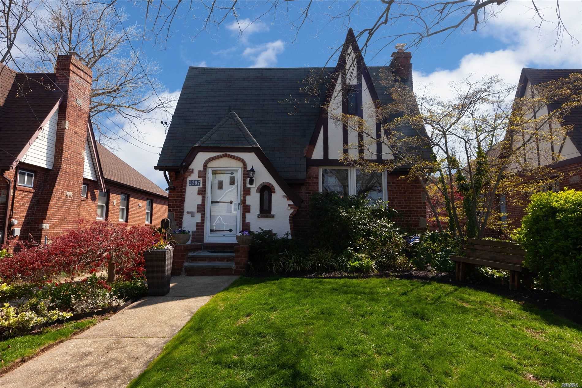 One of Wantagh 3 Bedroom Homes for Sale at 2397 Freeport St