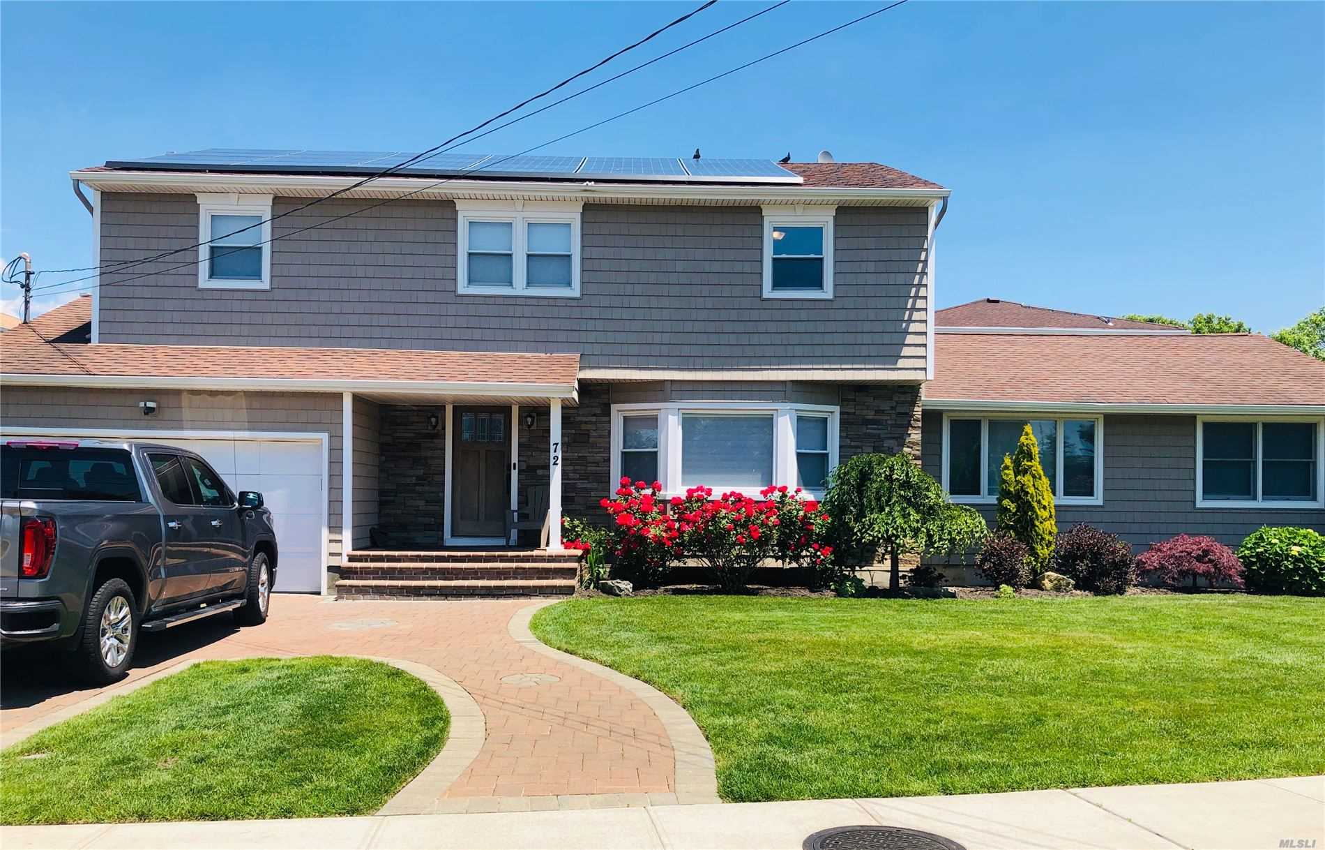 72 Tidewater Ave, Massapequa Park, New York