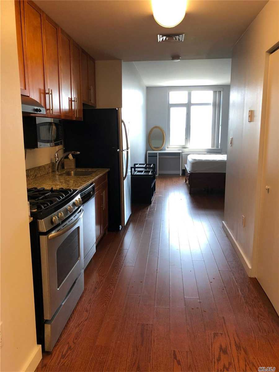 40-28 College Point Boulevard, Flushing, NY 11354 for Rent ...
