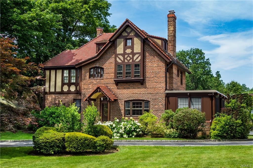 115 White Plains Road, Bronxville, New York