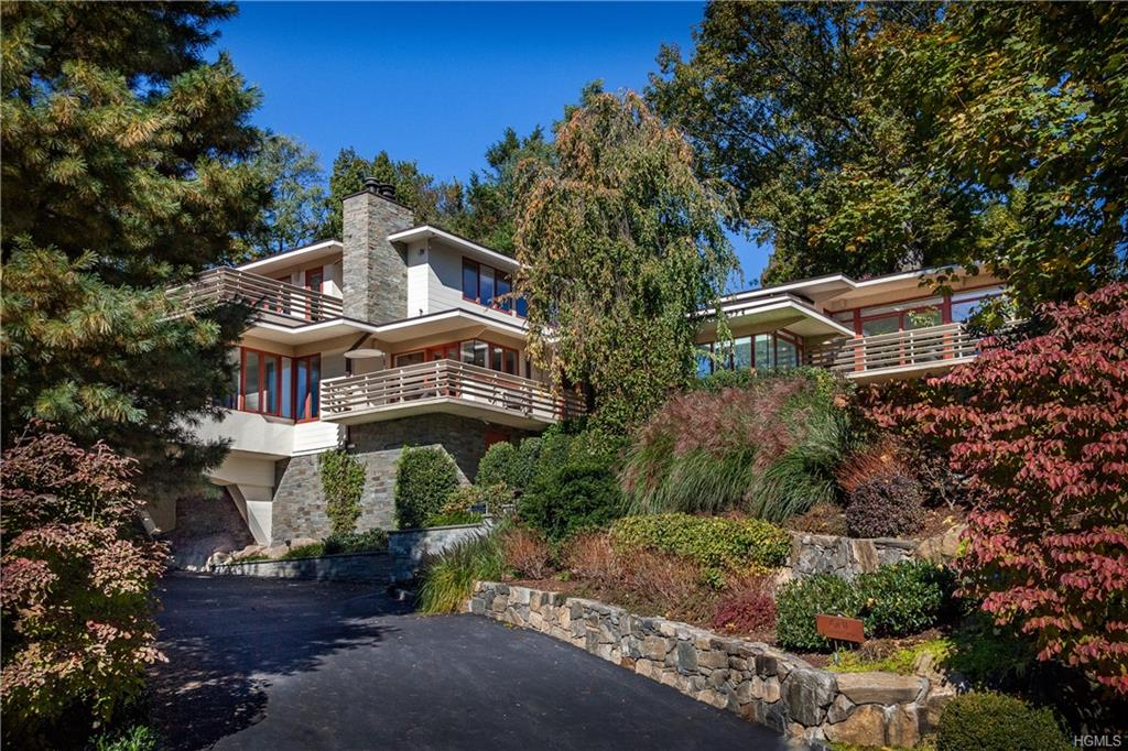 1 Governors Road, Bronxville, New York