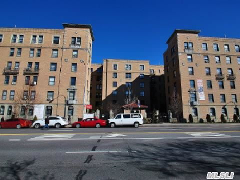 14809 Northern Blvd # 6N, Flushing, NY 11354
