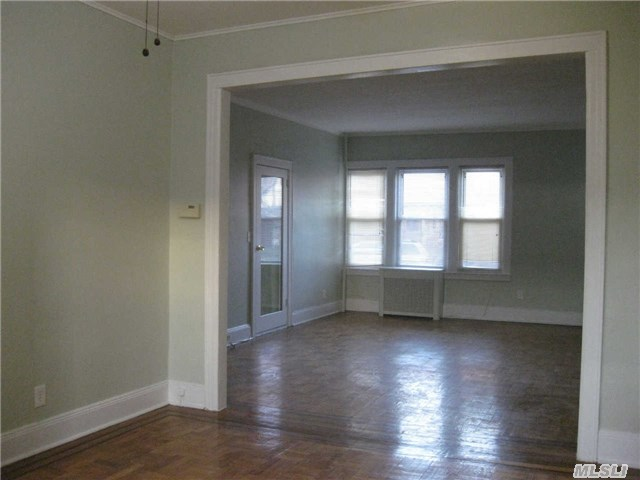 Rental Homes for Rent, ListingId:31941270, location: 45-18 215th Pl Bayside 11361