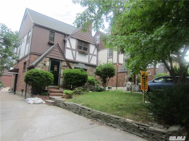 Rental Homes for Rent, ListingId:34125293, location: 47-45 245th St Douglaston 11363