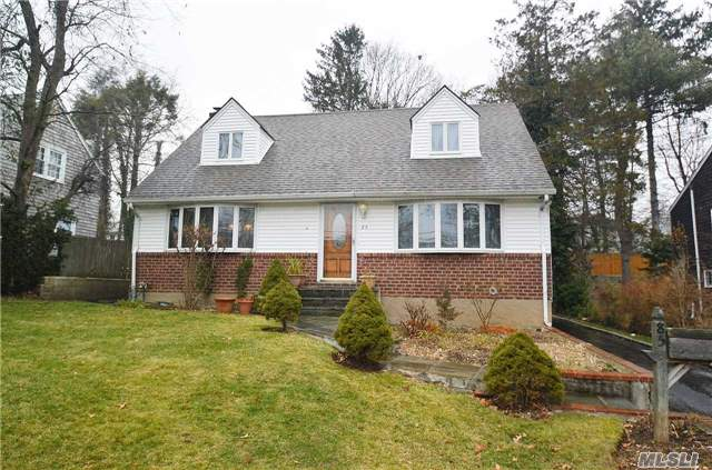 Photo of 85 George St  Roslyn Heights  NY
