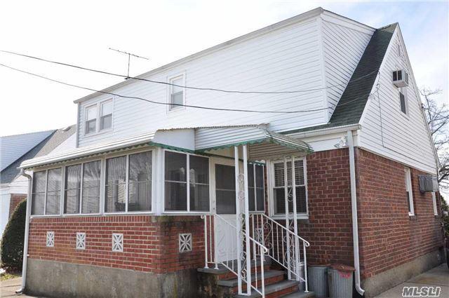 Residential, Exp Cape - Mineola, NY (photo 2)