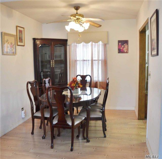 Residential, Exp Cape - Mineola, NY (photo 3)