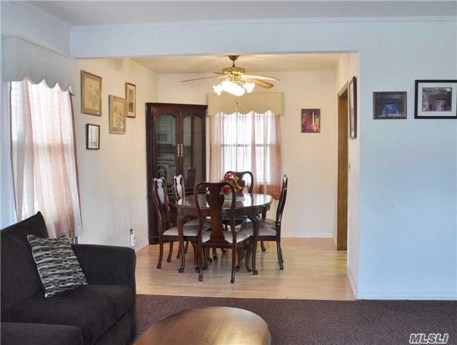 Residential, Exp Cape - Mineola, NY (photo 4)