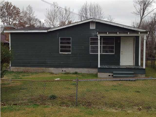 358 W 5th St # 1, Yazoo City, MS 39194