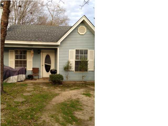 1318 Steens Creek Dr, Florence, MS 39073