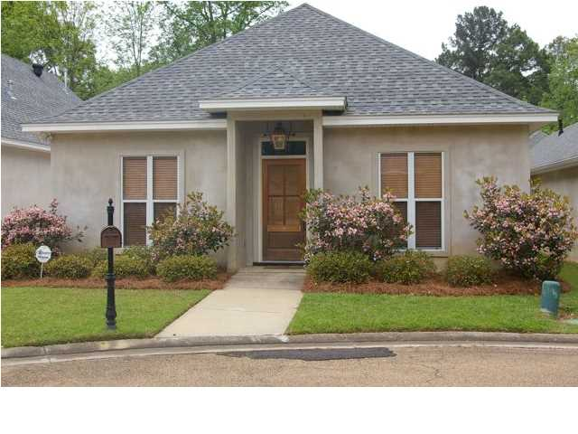 1011 Whitsett Walk, Jackson, MS 39206