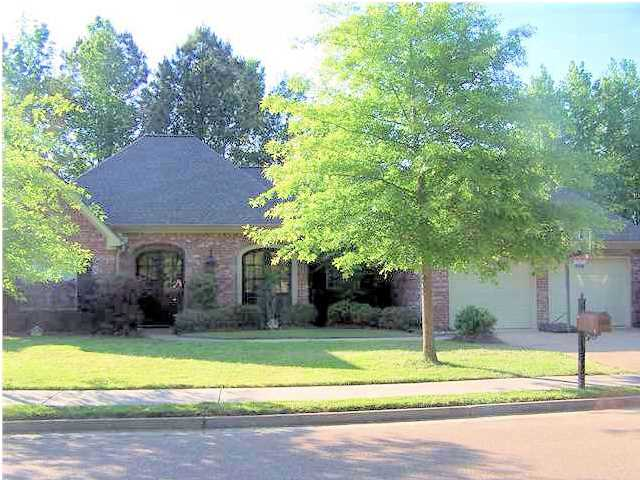 132 Thornwood Dr, Clinton, MS 39056