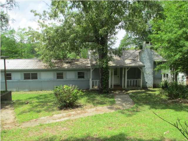 111 Lakeview Cir, Florence, MS 39073