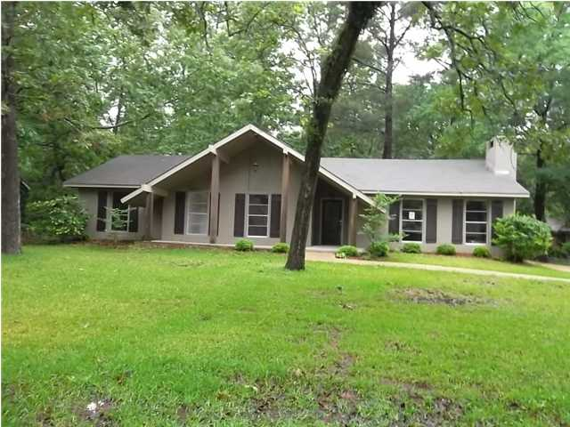 105 Forest Point Dr, Brandon, MS 39047