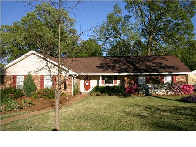 56 Woodgate Dr, Brandon, MS 39042