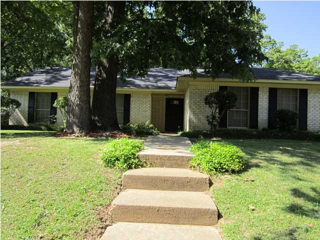 102 Trailwood Dr, Clinton, MS 39056