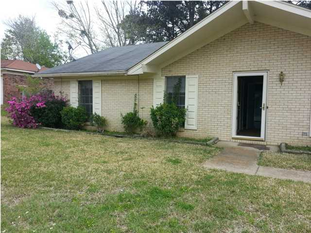 4221 Cypress Dr, Jackson, MS 39212