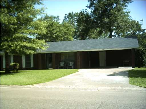 2444 Upper Dr, Pearl, MS 39208