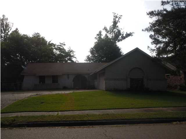 1821 Gloucester Pl, Clinton, MS 39056