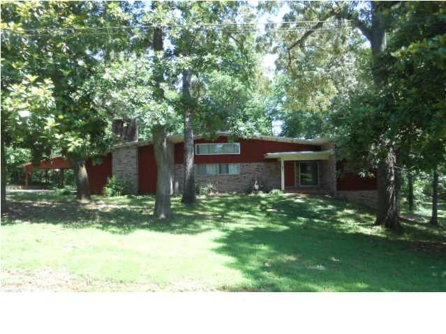 103 Pinecrest Dr, Union, MS 39365