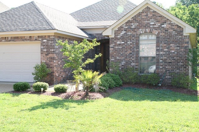 Rental Homes for Rent, ListingId:34701055, location: 218 LAKE HARBOUR LANDING Ridgeland 39157