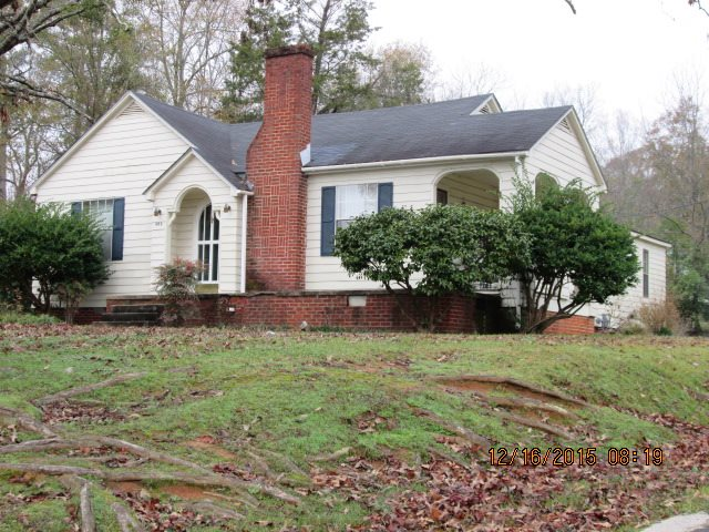 Photo of 404 E FRANKLIN ST  Carthage  MS